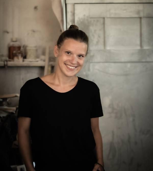 Portrait picture of Amelie Graf